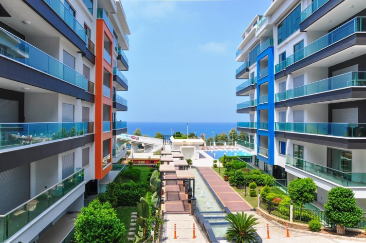 Furnished apartment in Alanya with sea view